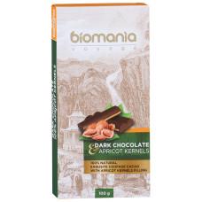 Шоколад Biomania темный с начинкой из пасты абрикосовой косточки 100г